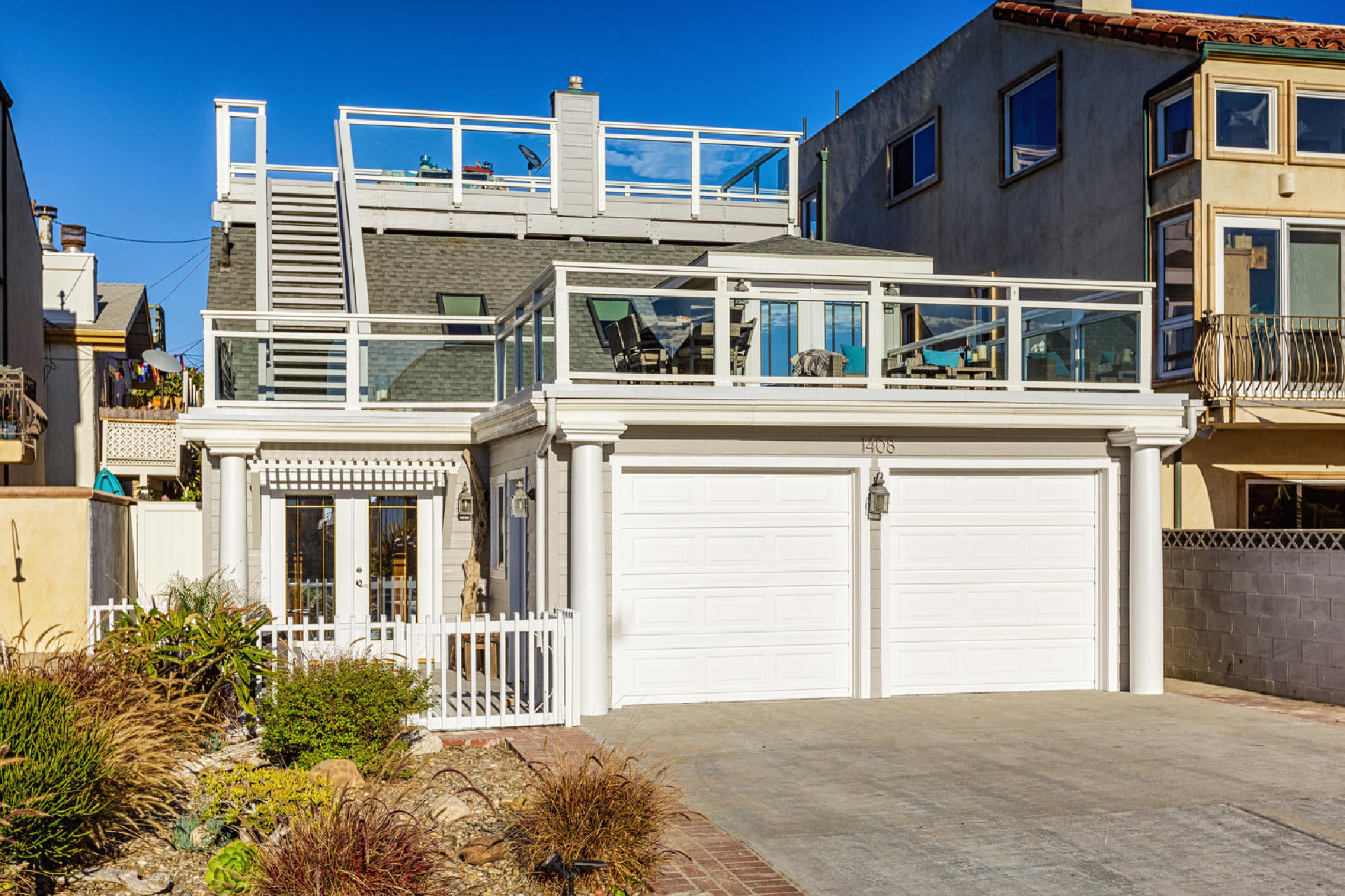 https://www.addressrealestate.com/media/images/blogs/38/2/b_1-1408-ocean-dr-oxnard-ca-93035-mls-size-001-13-front-of-home-1500x1000-72dpi.jpg
