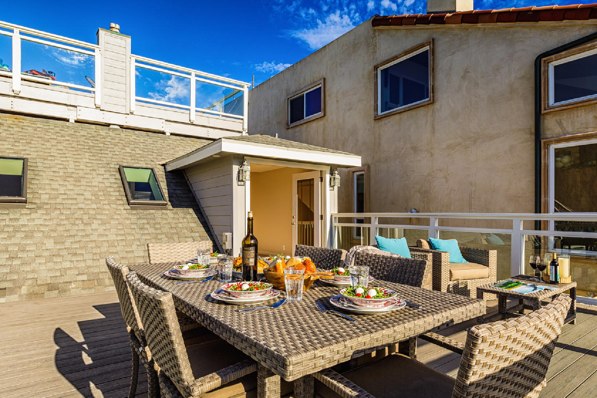 http://www.addressrealestate.com/media/images/blogs/38/2/b_18-1408-ocean-dr-oxnard-ca-93035-mls-size-012-7-balcony-1500x1000-72dpi.jpg