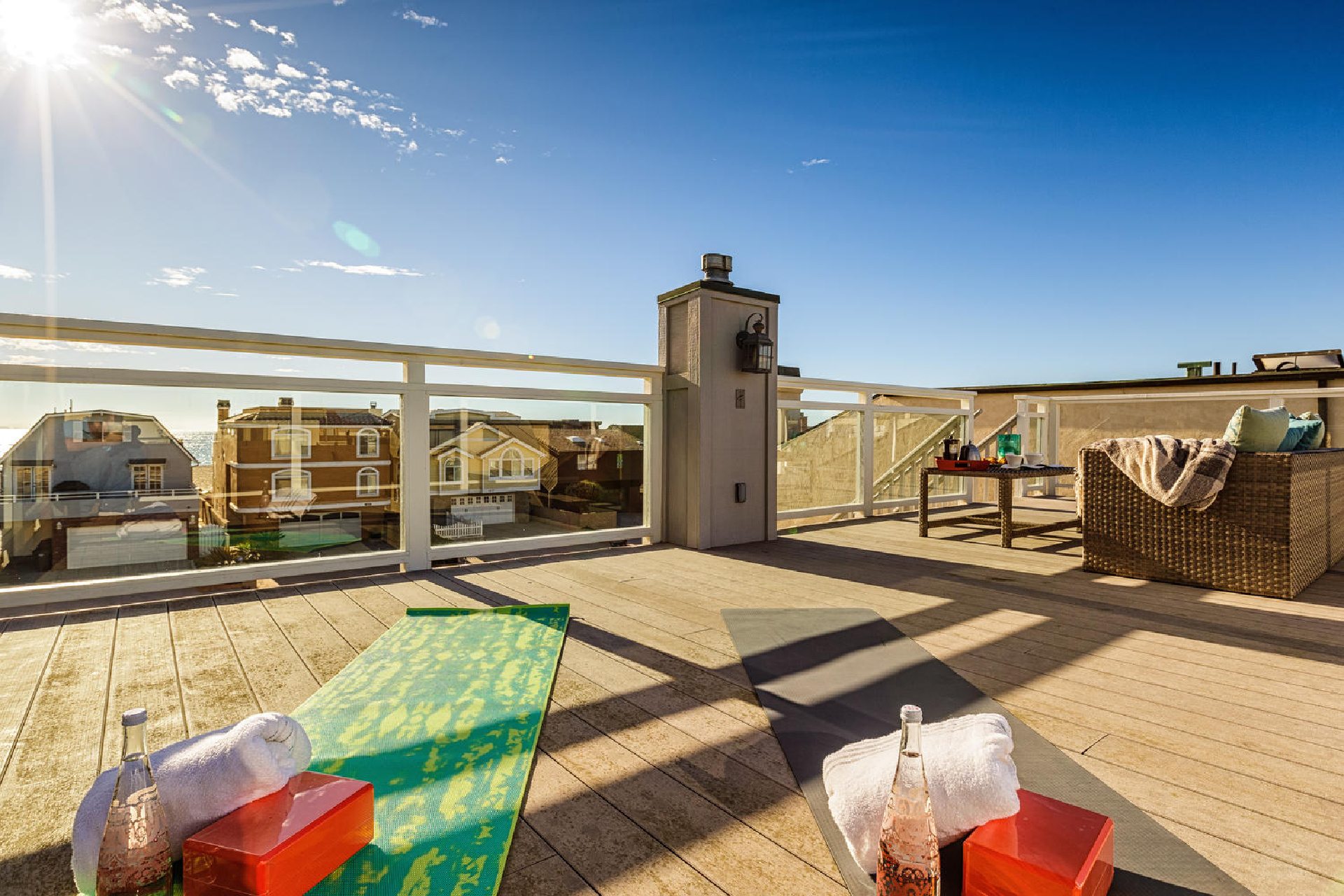 http://www.addressrealestate.com/media/images/blogs/38/2/b_22-1408-ocean-dr-oxnard-ca-93035-mls-size-022-16-rooftop-patio-1500x1000-72dpi.jpg