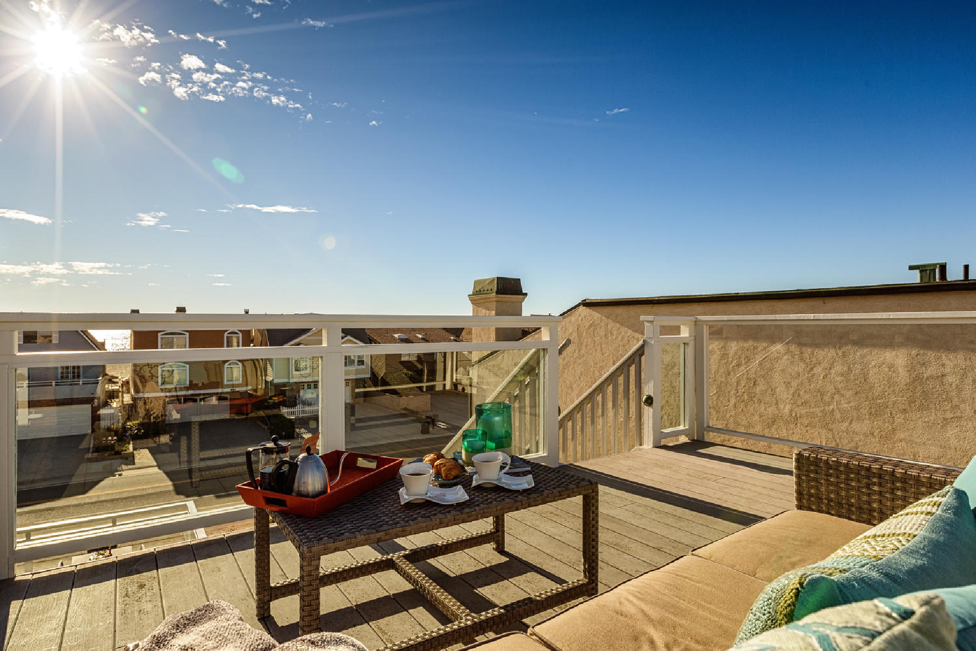 http://www.addressrealestate.com/media/images/blogs/38/2/b_23-1408-ocean-dr-oxnard-ca-93035-mls-size-023-17-rooftop-patio-1500x1000-72dpi.jpg