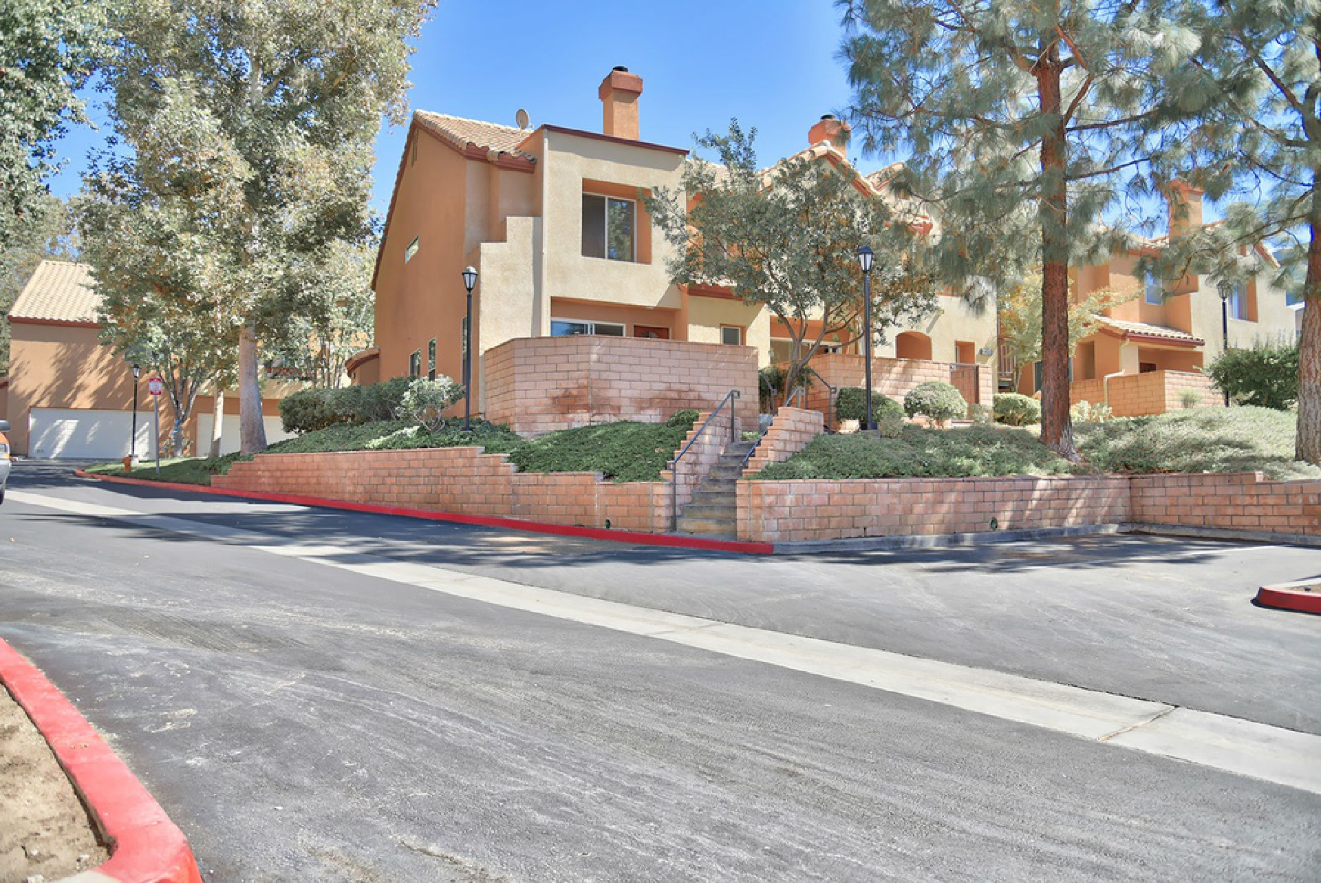 22735 Copper Hill Drive, Saugus CA: