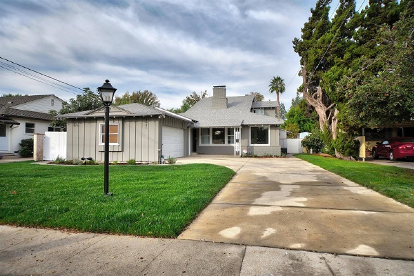 4901 Bluebell Avenue, Valley Village CA: