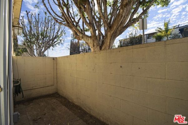 10856 Morrison Street, North Hollywood CA: