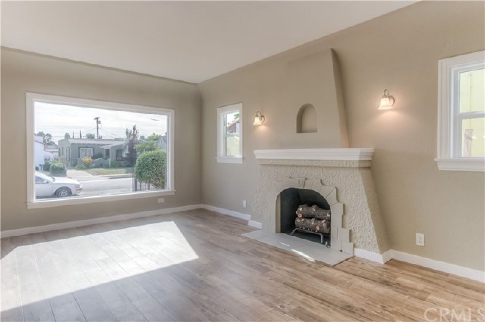 2015 W 84th Place, Los Angeles CA: